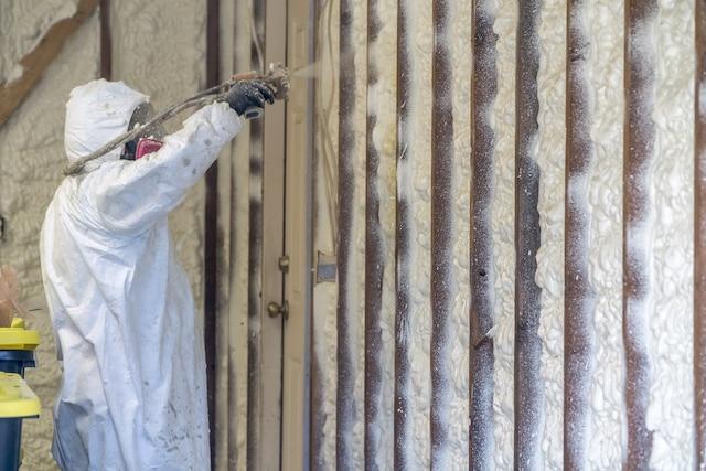 Installing Residential Spray Foam Insulation Muskegon MI